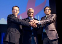 At the close of the Congress on Friday 22 November, hosts of the 2013 event Thailand handed over the ICAAP baton to the hosts of the 12th Congress in 2015—Bangladesh. Here, Chair of the ICAAP11 local organizing committee, Wilas Lohitkul (left) shakes hands with NM Samuel from the AIDS Society of Asia and the Pacific (middle-ICAAP Convenor) and MM Neazuddin, Secretary, Ministry of Health & Family Welfare, Bangladesh and co-Chair, ICAAP12. Credit: UNAIDS / V.Dithajohn