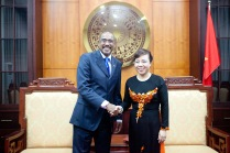 UNAIDS Executive Director Michel Sidibé and the Minister of Health Dr. Nguyen Thi Kim Tien